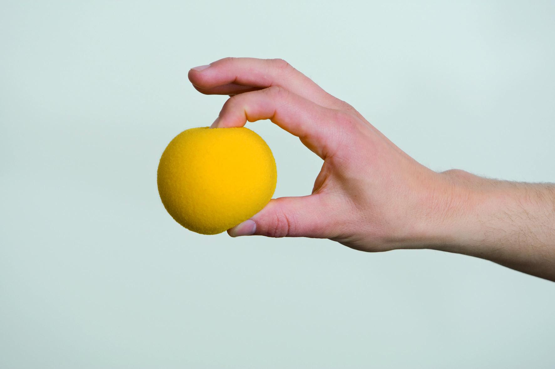 Handgymnastikball Russka  90 mm, hart, gelb